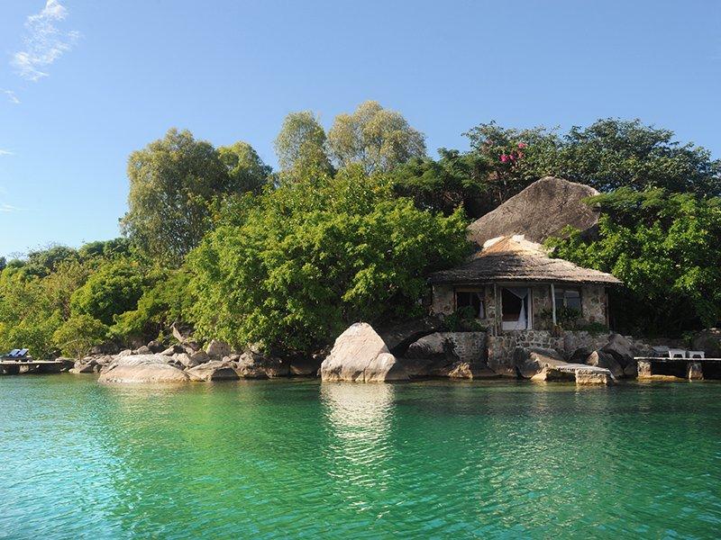 Malawi-Lake-Malawi-Likoma-Island-Kaya-Mawa-Guest-Accommodation