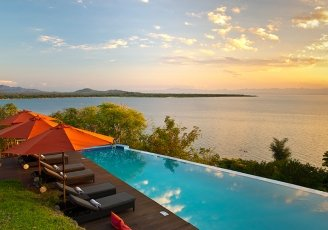 Malawi-Lake-Malawi-Pumalani-Pool-with-a-View