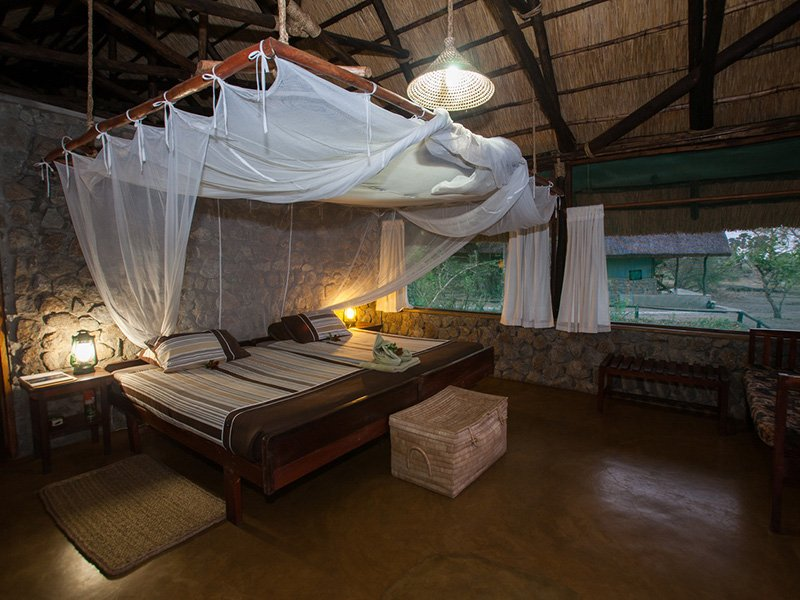 Malawi-Liwonde-MvuuCamp-Bedroom