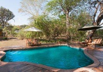 Malawi-Liwonde-MvuuLodge-PoolArea