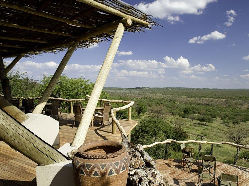 Namibia-Etosha-Ongava-Lodge-Deck-02