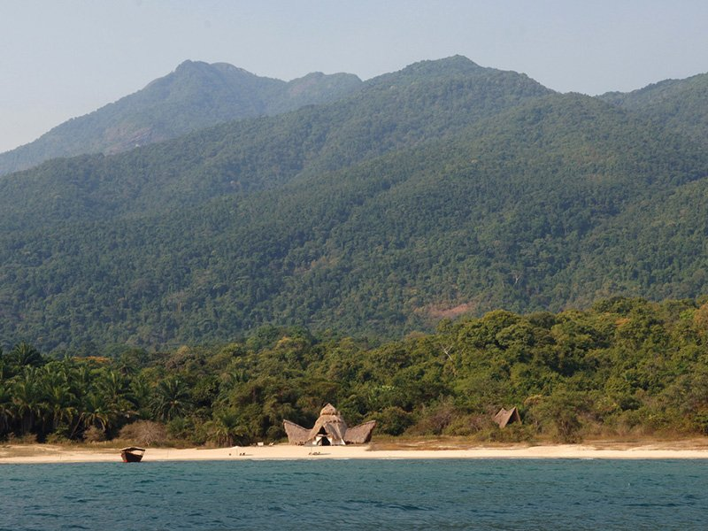 Tanzania-Lake-Victoria-Greystokes-Mahale-Lodge-setting
