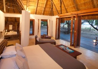 Zambia-South-Luangwa-Luangwa-River-Camp-Bedroom