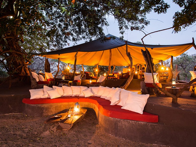 Zambia-South-Luangwa-Tena-Tena-Dine-in-Style